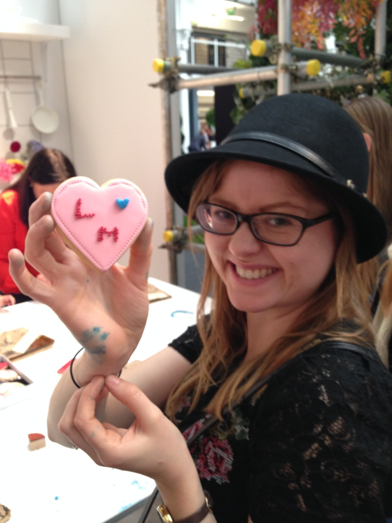 cookie decorating workshop at brides the show