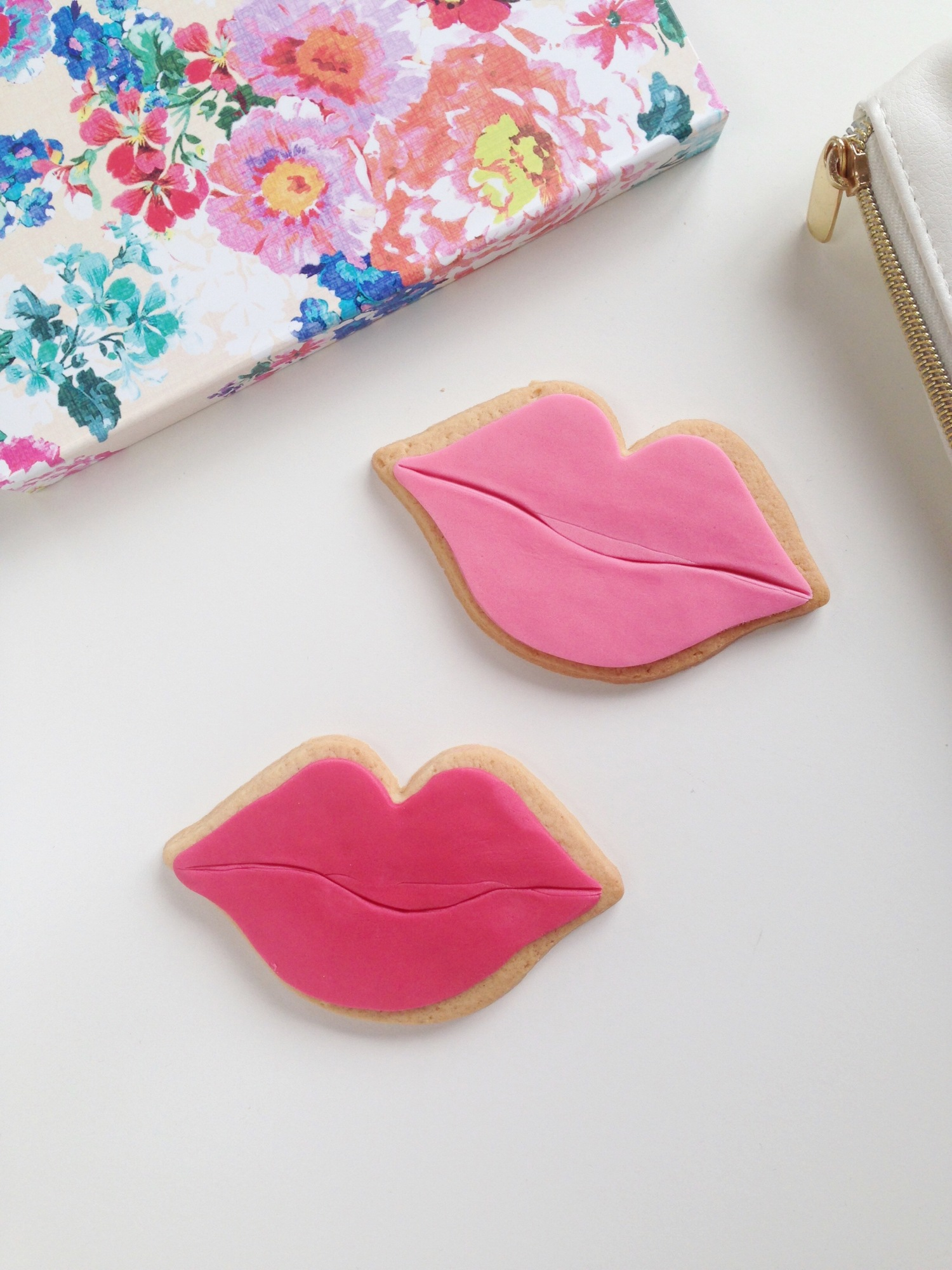Nila holden lip biscuits for benefit cosmetics3
