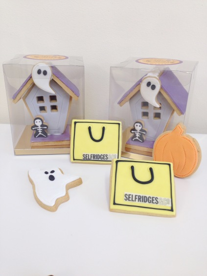 nila-holden-selfridges-iced-biscuits-supplier-halloween-haunted-houses