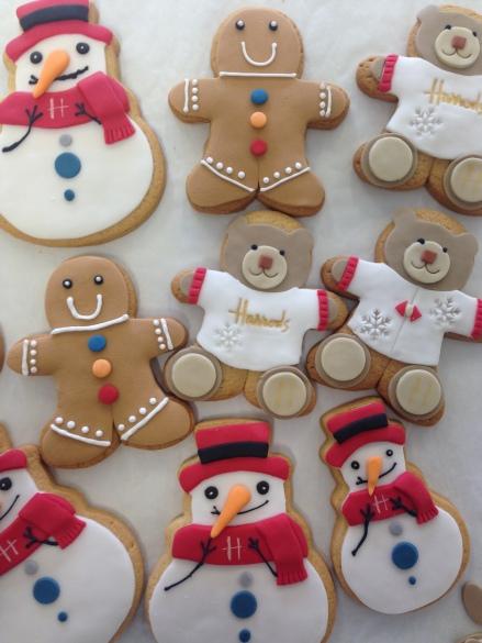 nila-holden-harrods-christmas-biscuits-20163