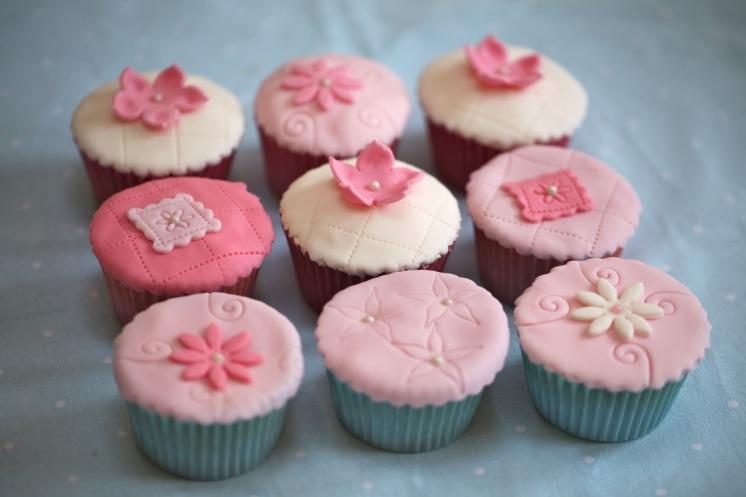 nila holden cupcakes