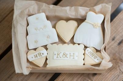bride and groom wedding gift nila holden